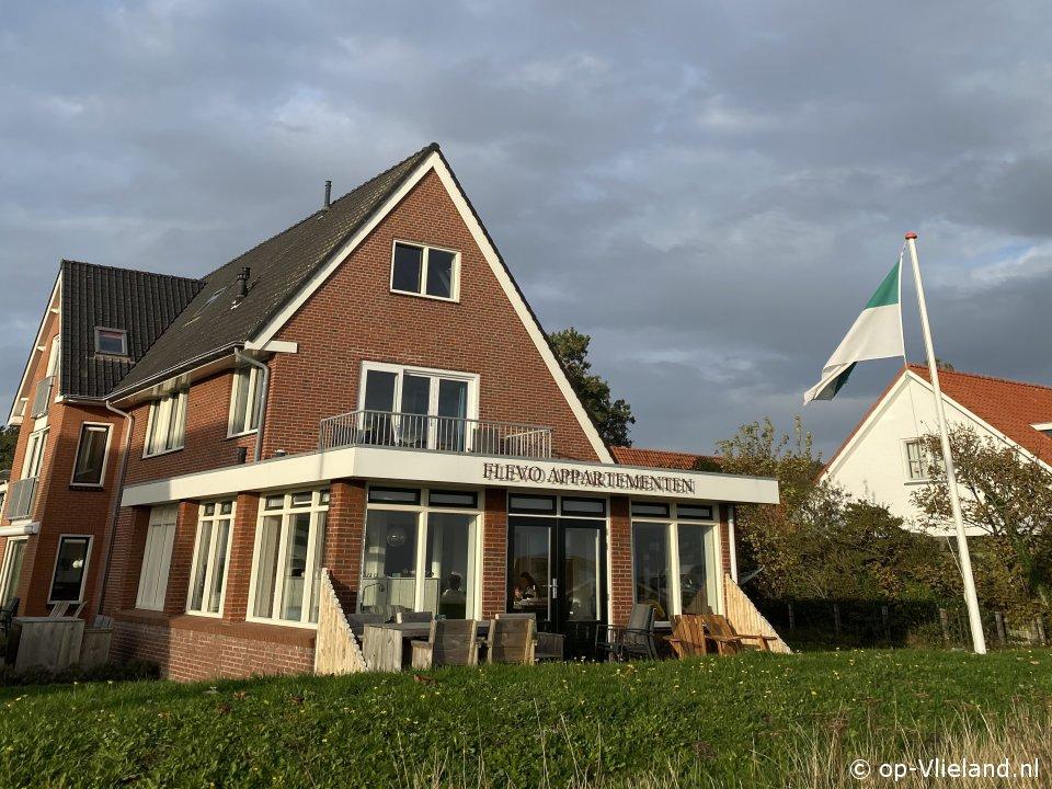 Flevo 4, appartement voor 2 personen bij het dorp