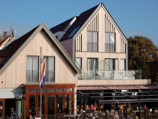 Hotel Zeezicht, Hotel aan de rand van het dorp met uitzicht over de Waddenzee