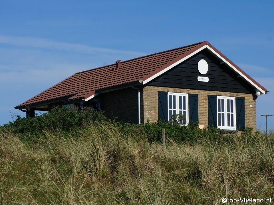 Duinroos, vakantiehuis voor 6 personen in de duinen bij het strand
