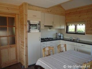 Eider, 4 persoons vakantiehuis in de duinen van Duinkersoord, 50m van het strand