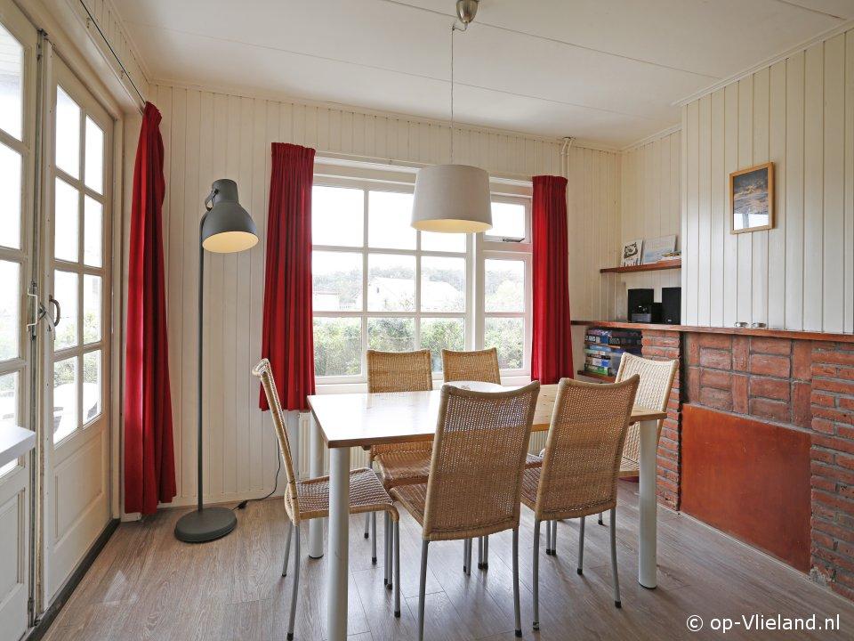 Kwartel, vakantiehuis voor 6 personen in de duinen bij het strand