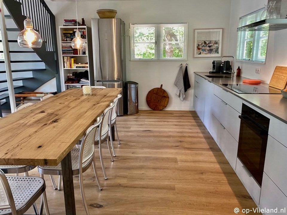 Margriet, 5 persoons huis met houtkachel en beschutte veranda