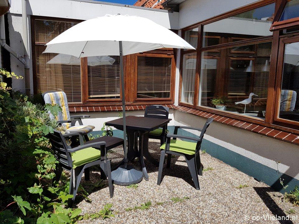 de Steenloper, 2-4 persoons vakantiehuis in het dorp Oost Vlieland