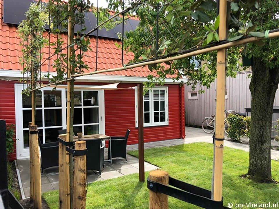 `t Tomaatje, 2-4  persoons vakantiehuis in het dorp