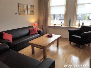 Vlierus, 2-6 persoons vakantiehuis in de Dorpsstraat van Vlieland